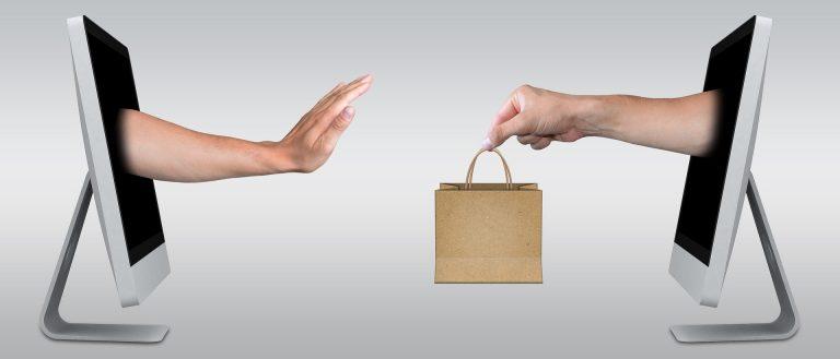 """מזמינים בגדים מחו""""ל: השלבים שחשוב לבצע בטרם הרכישה"""
