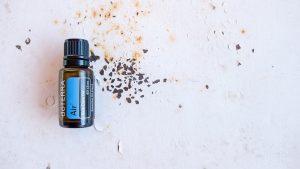 מדוע חשוב להחזיק את שמן עץ התה בכל בית