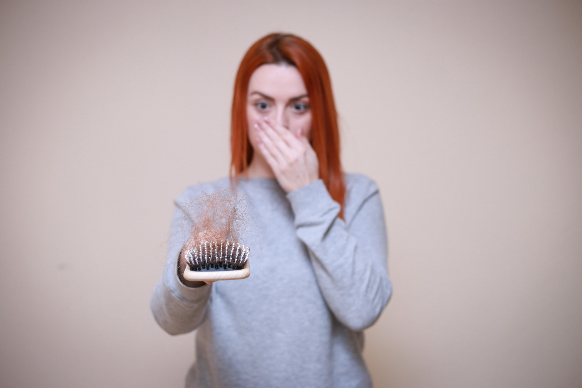 Read more about the article 3 דרכי טיפול פופולאריות לנשירת שיער