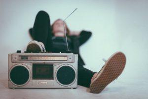 העידן המודרני כל הדרכים להאזין לרדיו.